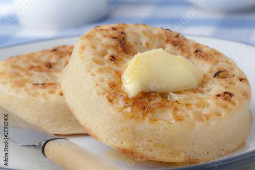 Hot Buttered Crumpets on a plate Tapéta, Fotótapéta
