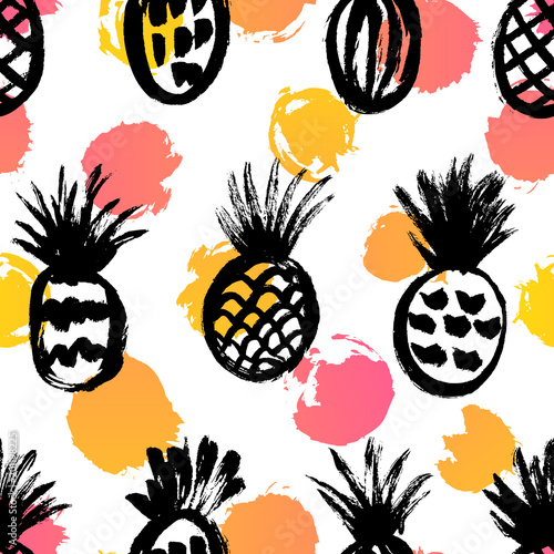 Seamless pattern with hand drawn pineapples sketches Fototapet
