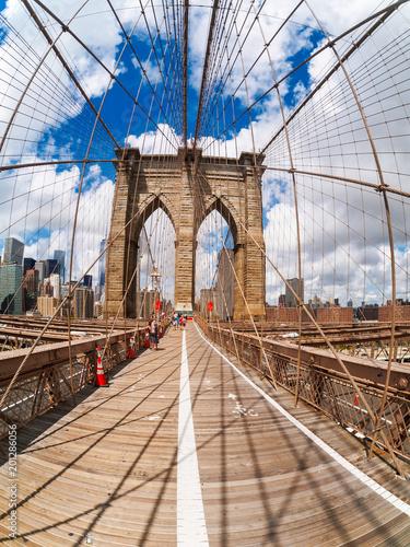 Tuinposter Brooklyn Bridge The Brooklyn Bridge in New York City