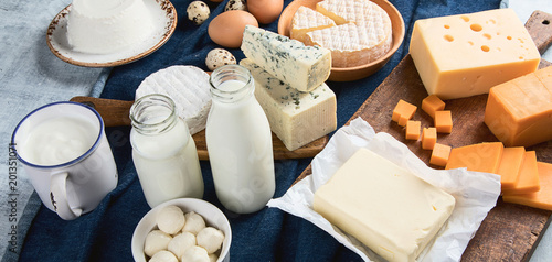 Cuadros en Lienzo Different types of dairy products