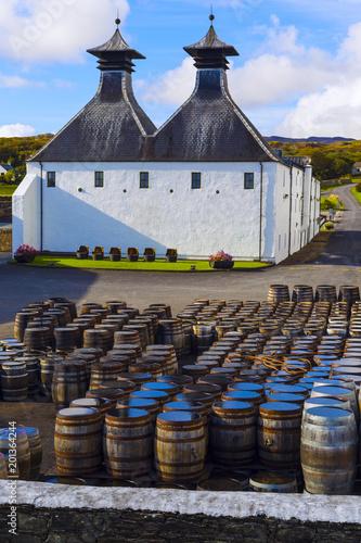 Photo Traditional Scottish whisky distillery