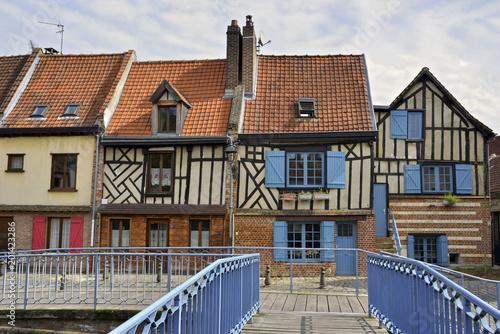 Papiers peints Cappuccino Passerelle des maisons de St Leu à Amiens