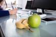 Leinwanddruck Bild - Close-up Of Bananas And Green Apple