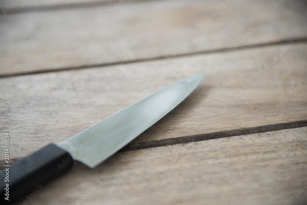нож стол
