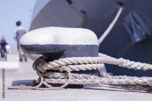 Fotografía  .A moored ship at the marina.