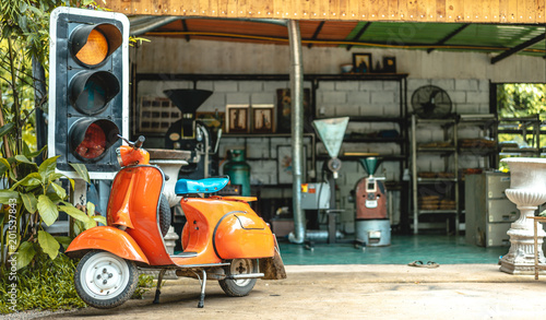 Spoed Foto op Canvas Scooter Vintage Orange Motorcycle