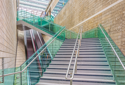 Foto  View of a zigzag staircase in Liverpool, England