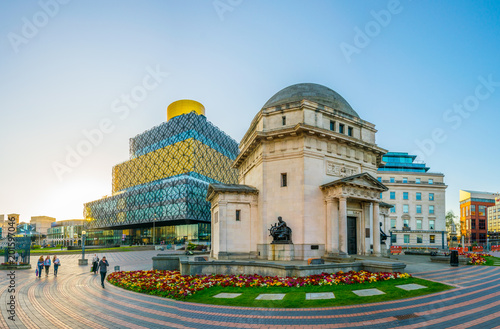 Fotografía  Hall of Memory, Library of Birmingham and Baskerville house, England