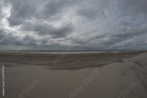 Poster de jardin Desert de sable Beach and clouds