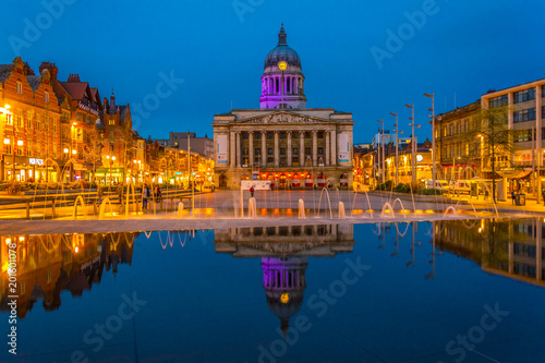 Canvas-taulu Night view of the town hall in Nottingham, England