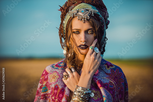 Poster Gypsy magnificent gypsy girl