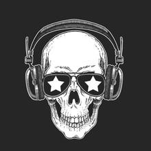 Cool Rock Star Skull Wearing D...