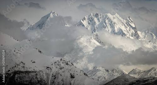 Photo  Mountains in Himalaya