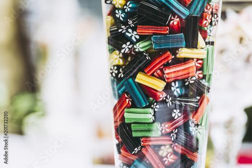 Foto op Aluminium Snoepjes Assortiment de bonbons colorés