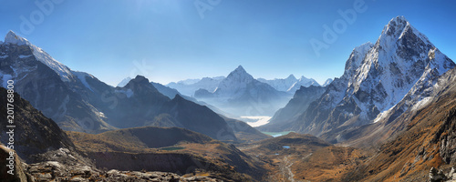 Foto auf Gartenposter Gebirge Ama Dablan and Cholatse peaks from Dzongla, Nrpal