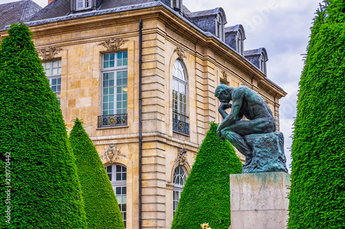 mata magnetyczna The Thinker (Le Penseur) 1880—1882 - bronze sculpture by Auguste Rodin, Paris. France