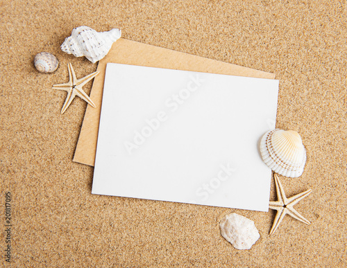 Fotografía  Shells, seastars and an blank postcard