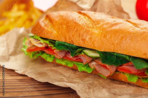 Staande foto Snack sandwich on a wooden table