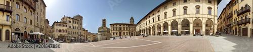 Photo Arezzo, Piazza Grande a 360 gradi
