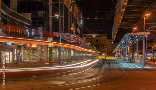Fotografie, Obraz  Zentralhaltestelle Chemnitz bei Nacht