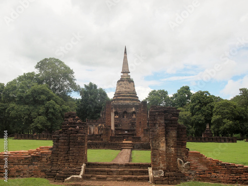 Foto op Aluminium Bedehuis Ruins of ancient Wat Chang Lom temple at Sukhothai Historical Park, Thailand