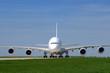 avion quadriréacteur de face