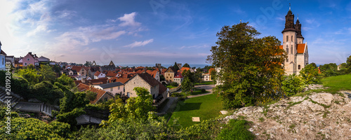 Fotografía  Visby - September 23, 2018: Panoramic view of the old town of Visby in Gotland,