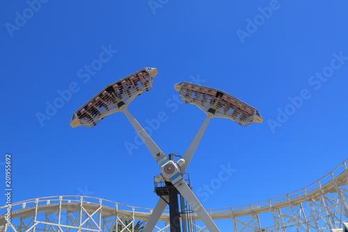 Fotobehang Amusementspark Amusement park ride