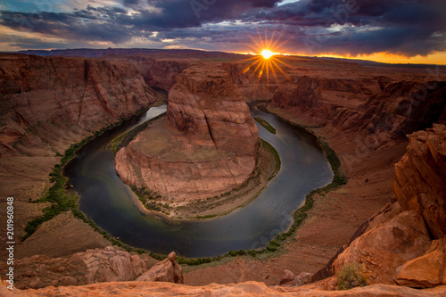 Photo Stands United States sunset over horsehoe bend