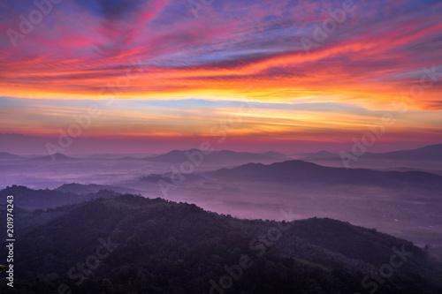 Foto op Plexiglas Crimson Hatyai city top view on Kor Hong mountain, Songkhla Province Thailand