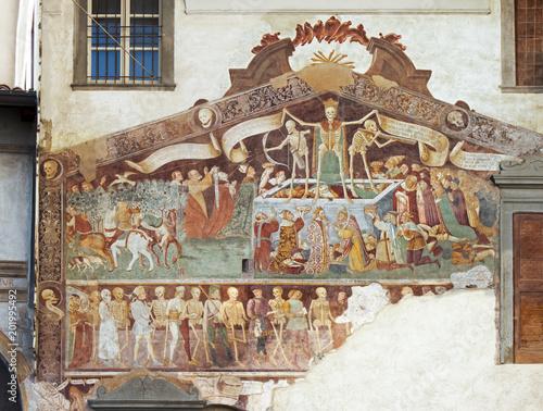 Photo Clusone, Fresco, Dance of the Death