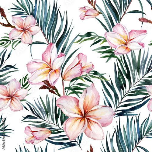 Różowi plumeria kwiaty i egzotyczni palma liście w bezszwowym tropikalnym wzorze. Białe tło. Malarstwo akwarelowe. Ręcznie rysowane i malowane ilustracja kwiatowy. Tkanina, tapety.