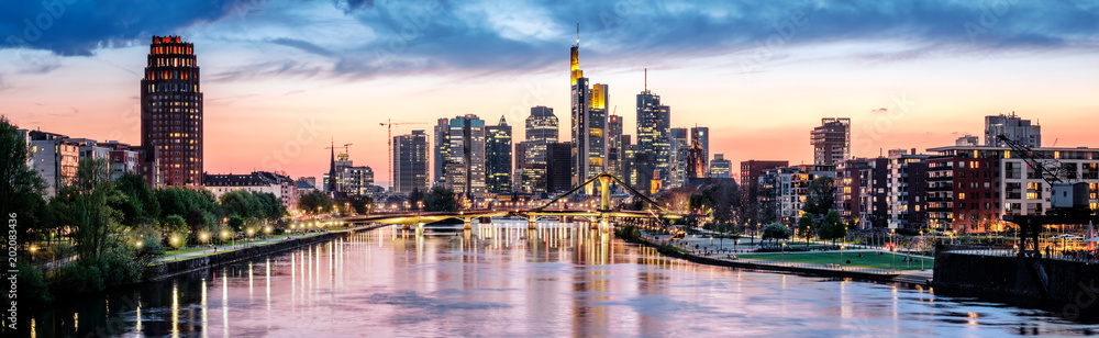 Fototapety, obrazy: High resolution aerial panoramic view of Frankfurt, Germany after sunset.