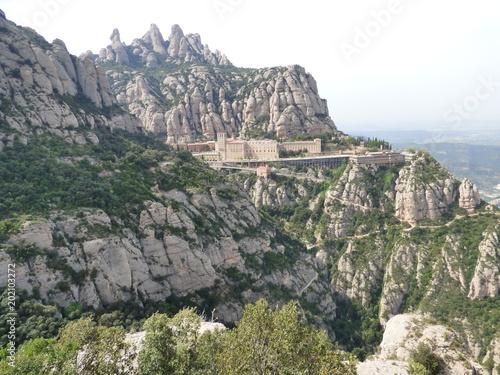 In de dag Khaki Montserrat, monasterio y montaña cercana a Barcelona en Cataluña (España)