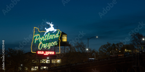 Photographie  Old Town Portland Oregon neon sign in Portland, Oregon
