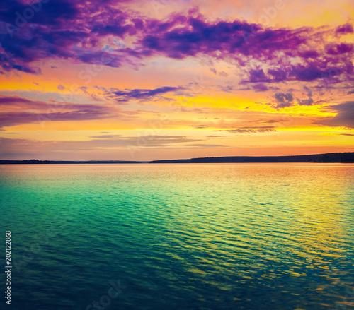 Foto auf AluDibond See sonnenuntergang Sunset over the river. Amazing landscape