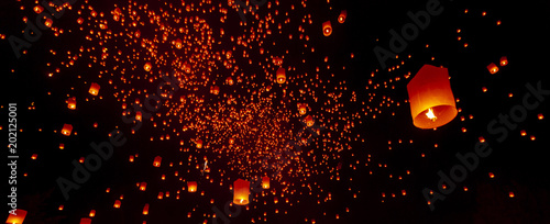 Fotografie, Obraz  CHIANG MAI, THAILAND - Yee Peng Festival, Loy Krathong celebration with more than a thousand floating lanterns in Chiangmai