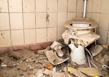 Verfallene Sanitäranlage