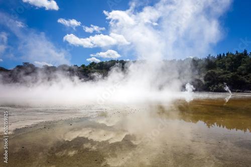 Poster Oceanië Steaming lake in Waiotapu, Rotorua, New Zealand