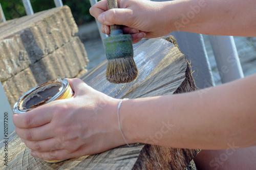 Hand Pinsel Farbe Holz Streichen Lassieren Buy This Stock Photo