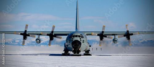 Antarctica Skiway, LC-130