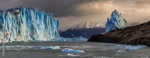 Printed kitchen splashbacks Glaciers Panorama of the Perito Moreno Glacier
