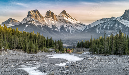 Foto auf Leinwand Gebirge View of Three Sisters Mountain, well known landmark in Canmore, Canada