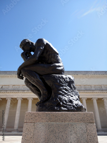 Fotografía Side profile of the masterpiece the Thinker by Rodin