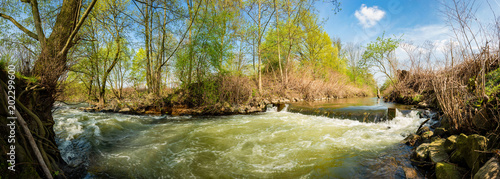 Papiers peints Secheresse Landscape in spring with river and trees