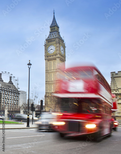 Foto op Canvas Londen rode bus London city scene with red bus and Big Ben in background.