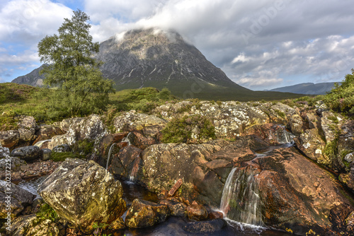 Photo  River Coupall and Stob Dearg mountain in the Scottish Highlands, Glen Coe, Scotl