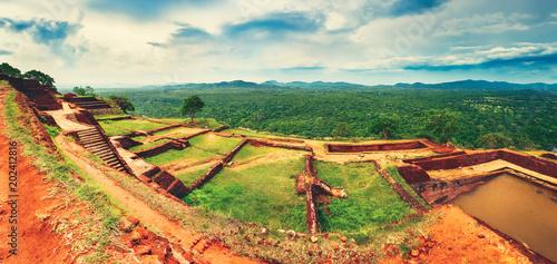 Papiers peints Lieu connus d Asie Sigiriya rock. Top view. Panorama