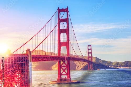 Plakat Sceniczny Golden Gate Bridge w San Fransisco, Kalifornia, usa, podczas zmierzchu