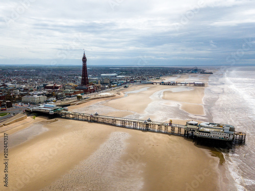 Blackpool View over the city skyline Tableau sur Toile